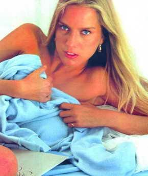 Muriel Rousseau - April Penthouse Pet 1982